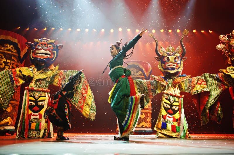 Kinesisk nationell dansare royaltyfria bilder