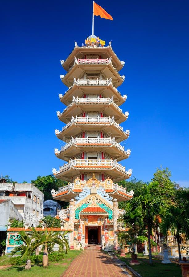 Kinesisk pagod i Hatyai, Songkhla, Thailand fotografering för bildbyråer