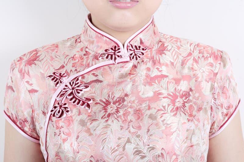 kinesisk traditionell klänningtextur royaltyfria foton