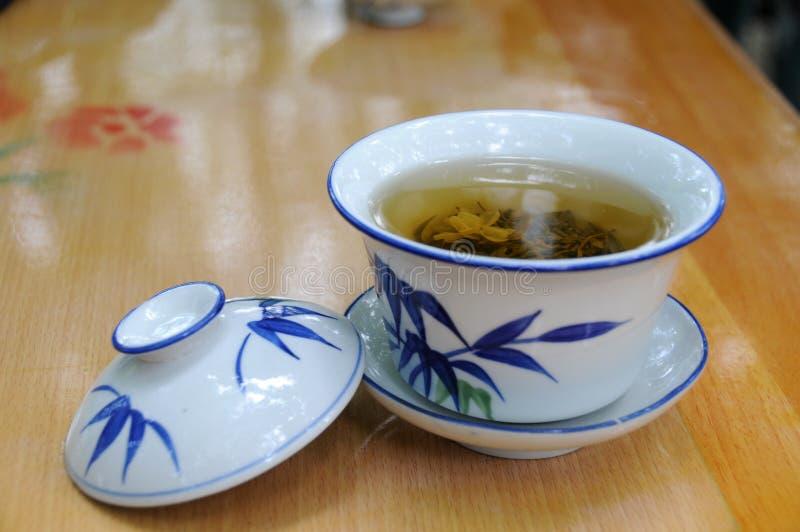 kinesisk traditionell kopptea royaltyfri bild
