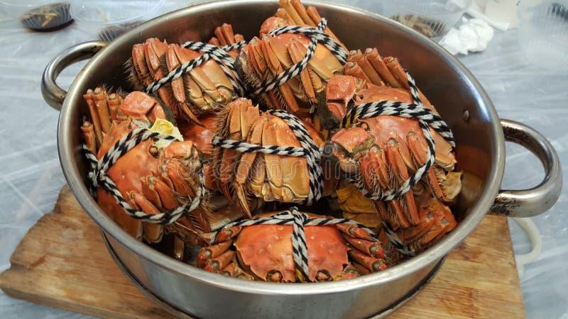 Kinesisk traditionell krabbakokkonst arkivfoton