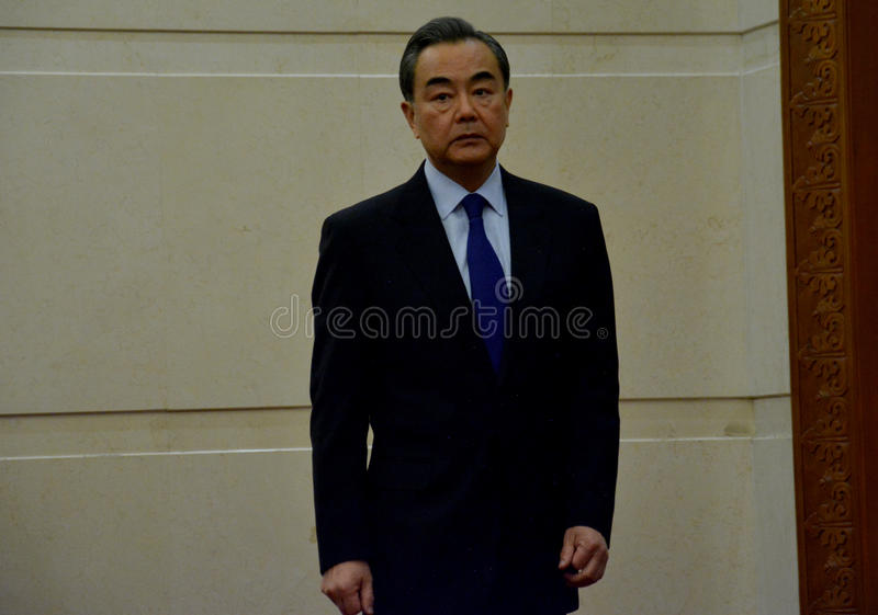 Kinesisk utrikesminister Wang Yi för mötet arkivbild
