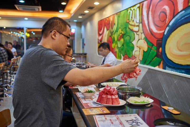 Kinesisk varm krukarestaurangPeking Kina arkivbild