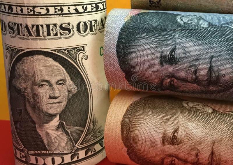 Kinesisk yuan för US dollar kontra royaltyfri bild