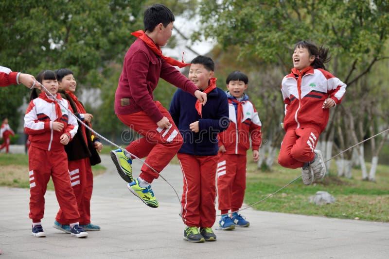 Kinesiska skolbarn arkivfoton