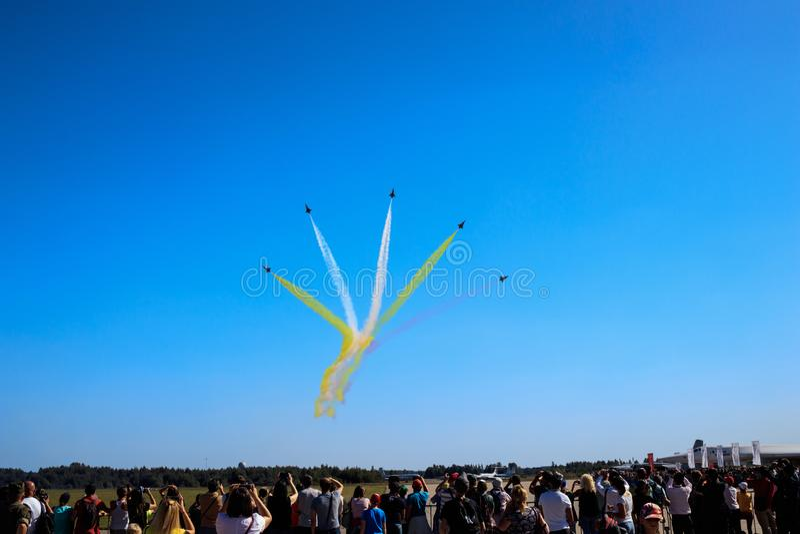 Kinesiskt aerobatic lag royaltyfri fotografi