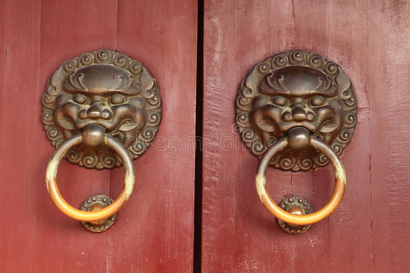 Kinesiskt dörrhandtag royaltyfri fotografi