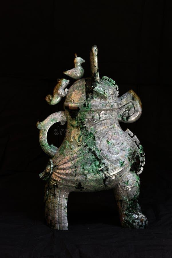 Kinesiskt forntida snida för jade royaltyfria foton