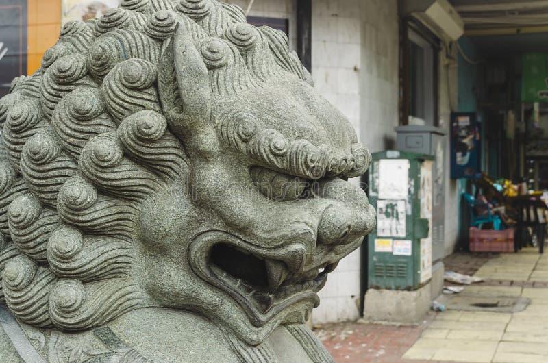 Kinesiskt imperialistiskt lejon i kinesen royaltyfria bilder