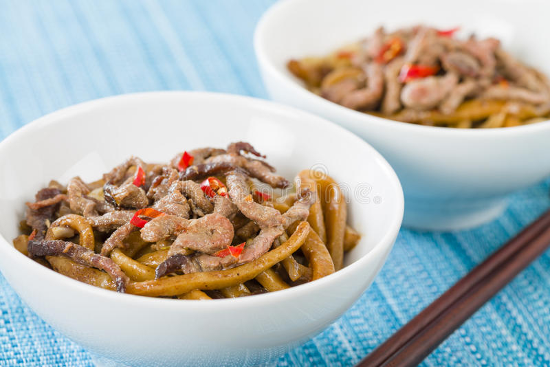 Kinesiskt kryddigt nötkött och svart Bean Sauce royaltyfri bild