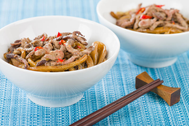 Kinesiskt kryddigt nötkött och svart Bean Sauce arkivfoto