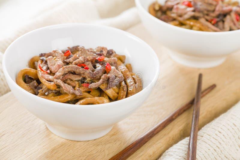 Kinesiskt kryddigt nötkött och svart Bean Sauce fotografering för bildbyråer