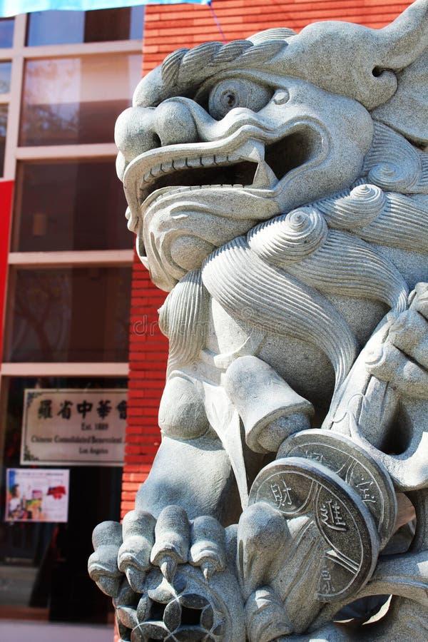 Kineskvarter i stadens centrum Los Angeles, Lion Statue arkivfoton
