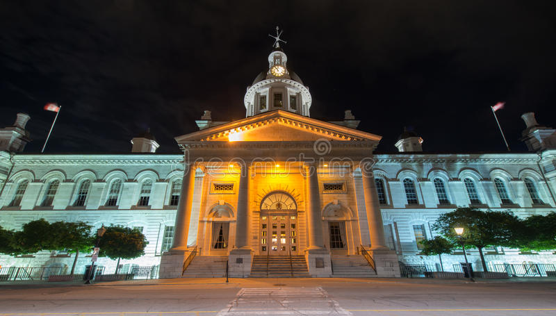 Kingston City Hall, Ontario bij Nacht stock foto