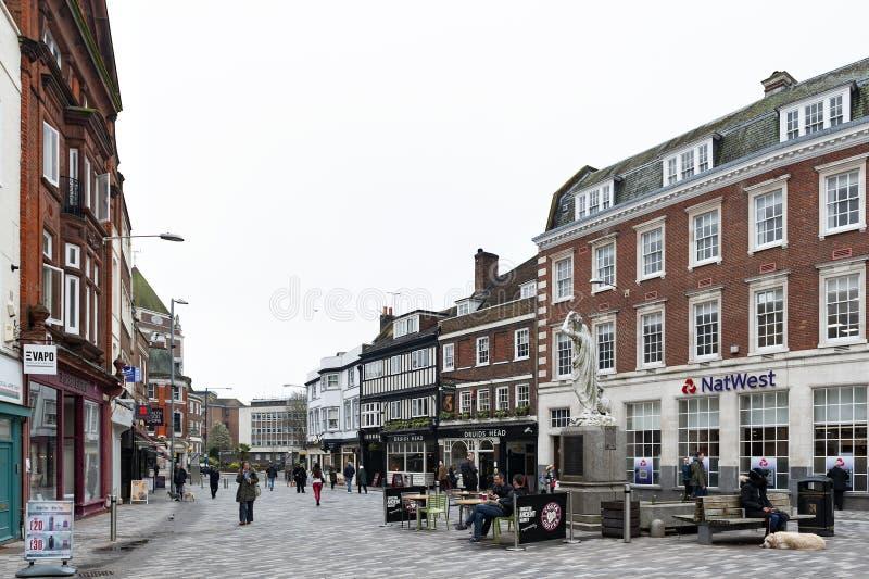 Kingston Market Place, centre de ville avec un bon nombre de boutiques et de magasins dans de vieux bâtiments image libre de droits