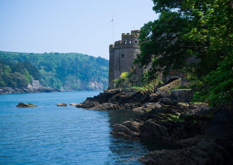 Kingswear och Dartmouth slott, Devon, F?renade kungariket, Maj 24, 2018 royaltyfri fotografi