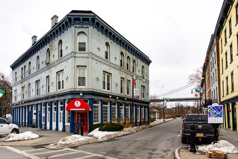 Kington, NY/Estados Unidos - marcha 3, 2019 - opinión del paisaje de la calle del filamento en Kingston céntrica foto de archivo libre de regalías
