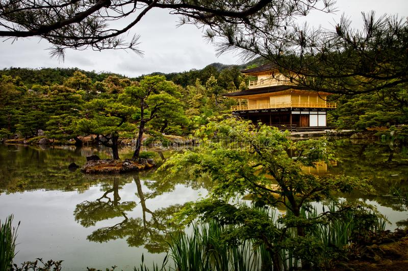 Kinkaku ji-Japan-Goldenweek-2019 fotografia stock
