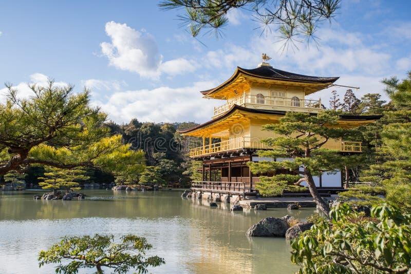 Kinkaku -kinkaku-ji, het Gouden Paviljoen, een Zen Buddhist-tempel in Kyoto, royalty-vrije stock foto's
