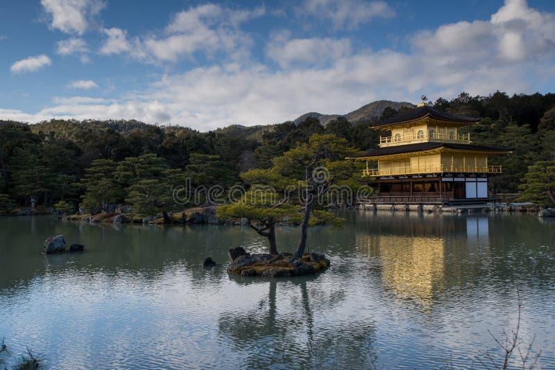 Kinkaku -kinkaku-ji, het Gouden Paviljoen, een Zen Buddhist-tempel in Kyoto, stock afbeelding