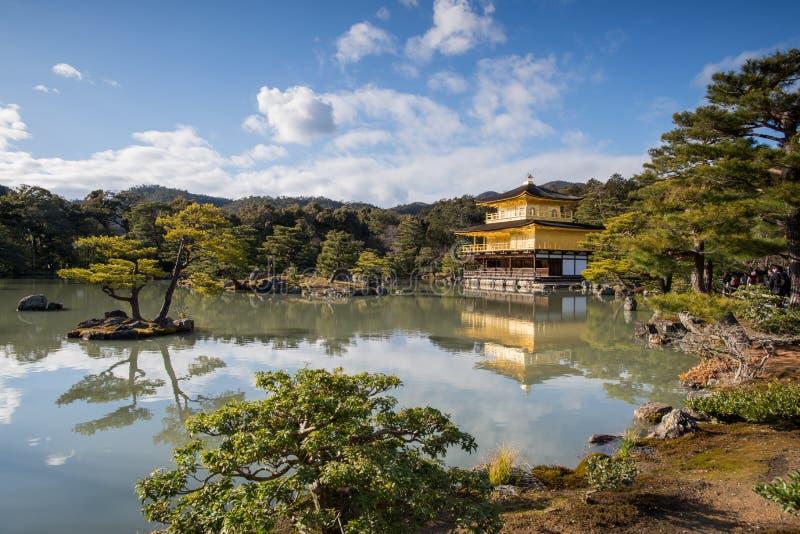 Kinkaku -kinkaku-ji, het Gouden Paviljoen, een Zen Buddhist-tempel in Kyoto, stock afbeeldingen