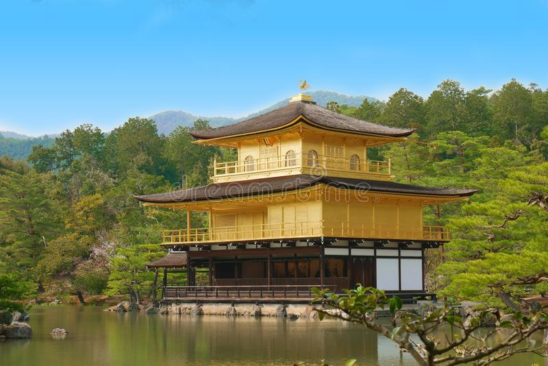 Kinkakuji寺庙的,京都,日本金黄亭子 [3月20日 免版税库存照片