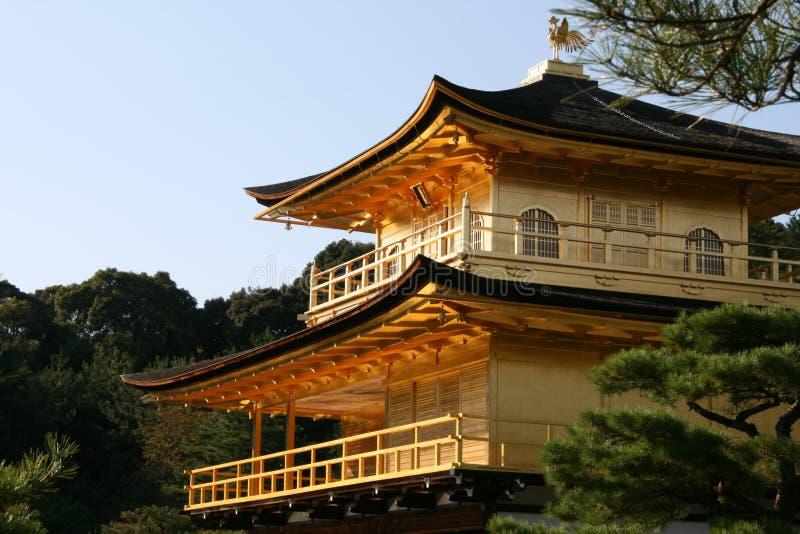 Kinkakuji det guld- tempelet royaltyfri foto