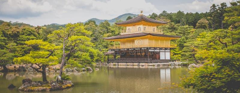 Kinkakuji (goldener Pavillion) lizenzfreie stockbilder