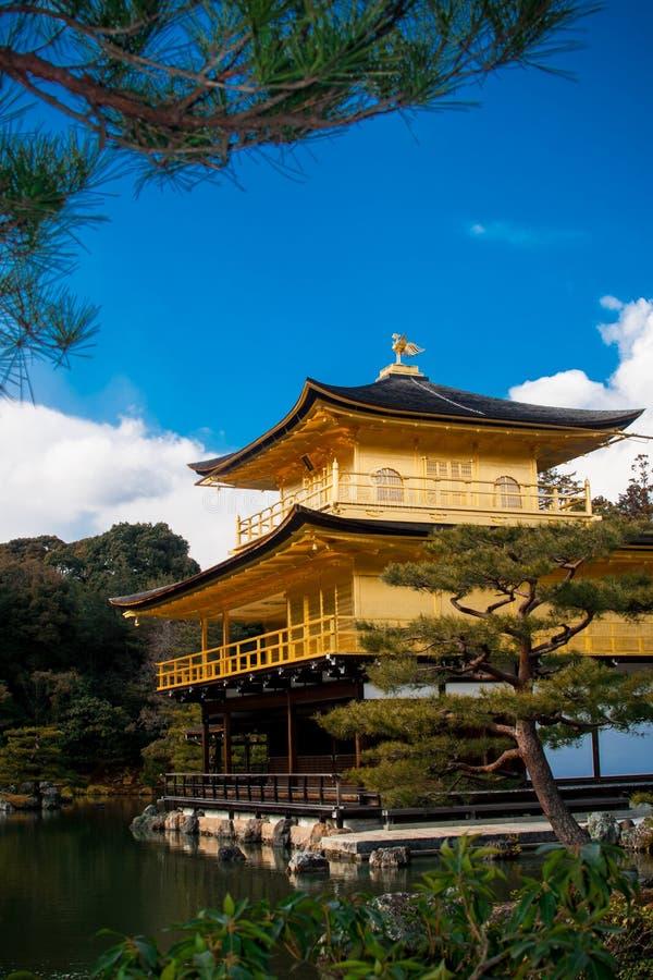 Kinkakuji (pavillon d'or) photo libre de droits