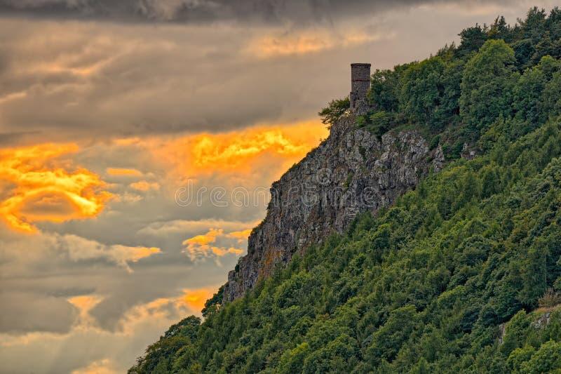 kinnoull κοντά στον πύργο ηλιοβα στοκ εικόνα