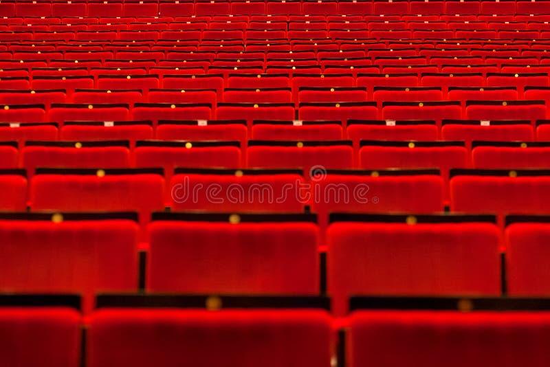 Kino pusta sala z siedzeniami obrazy royalty free