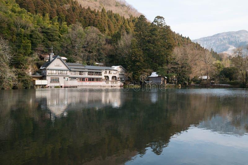 Kinrin湖在Yufuin镇,九州,日本 免版税图库摄影