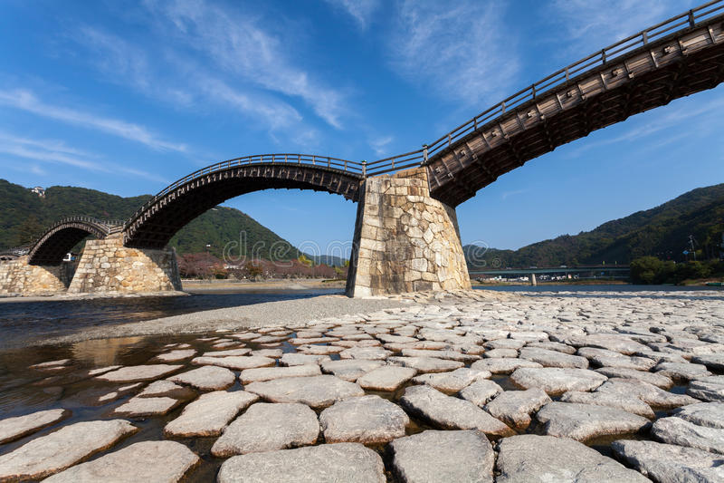 Kintai bro i Iwakuni, Japan arkivfoto