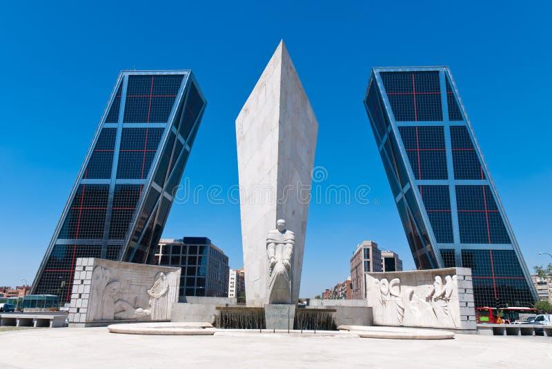KIO Kontrolltürme in Madrid, Spanien lizenzfreies stockfoto