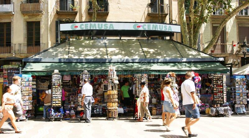Kiosk, der Zeitungen verkauft stock abbildung