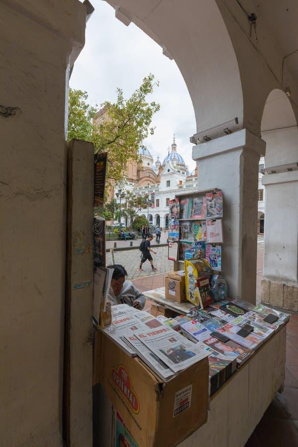 Kiosk in het historische centrum van Cuenca Ecuador royalty-vrije stock afbeeldingen