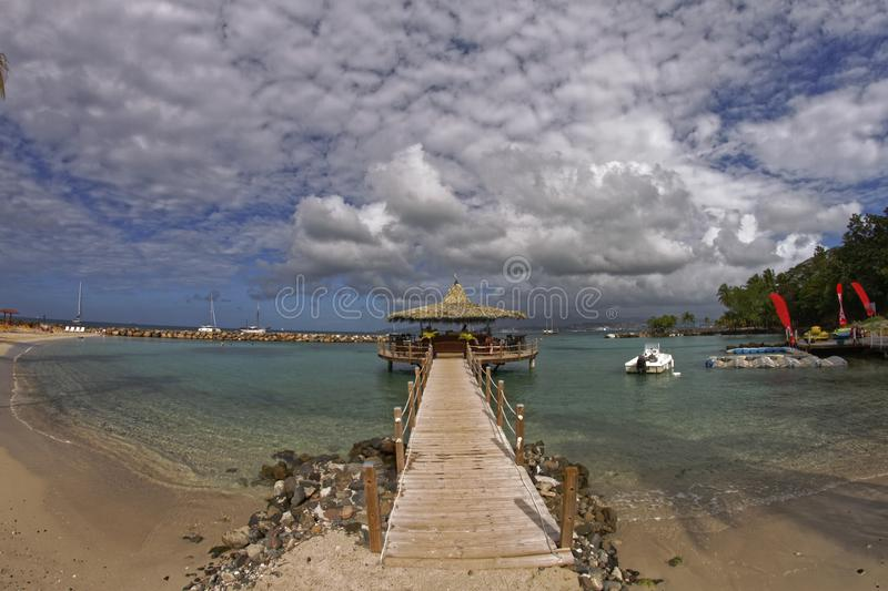 Kiosk på havet i Pointe du Anfall - Martinique arkivbild