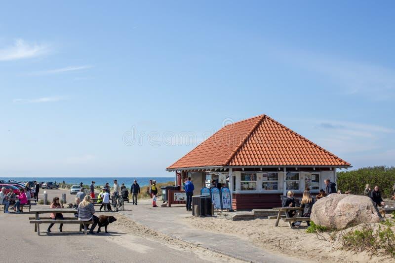 Kiosque à la plage de Tisvildeleje, Danemark images libres de droits