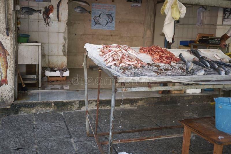 Kiosque de poissonnier en La Vucciria photos libres de droits
