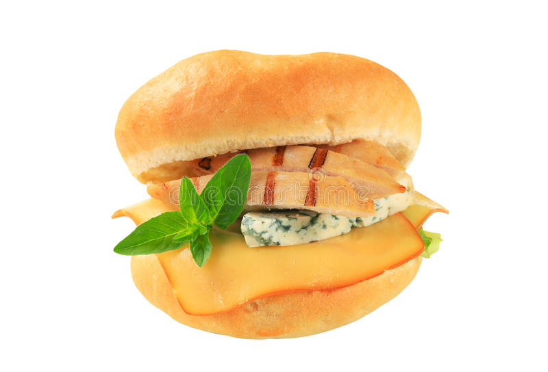 Kip en kaassandwich stock afbeeldingen