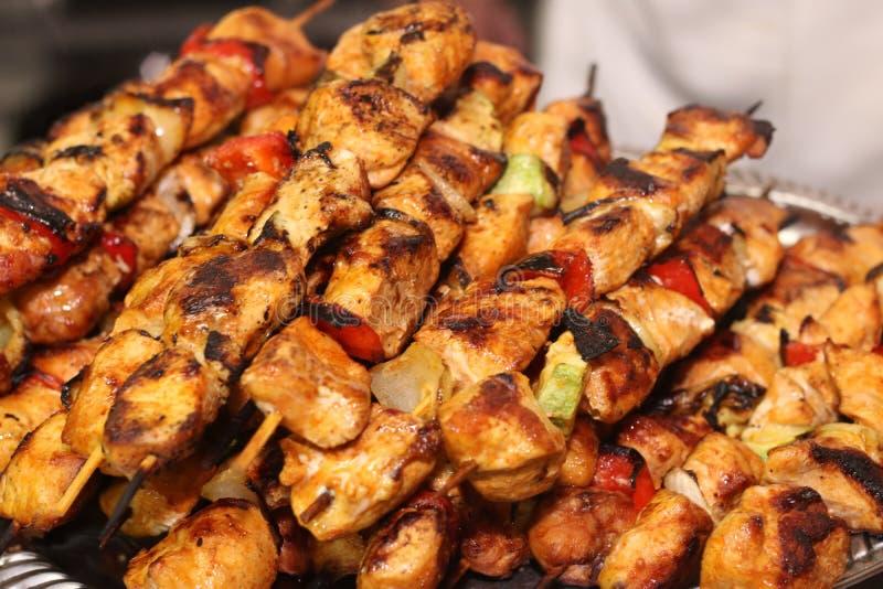 Kip kebab op vleespennen royalty-vrije stock fotografie