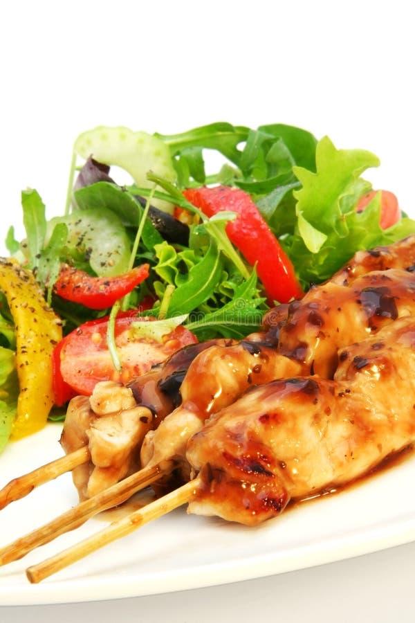 Kip Satay en Salade stock fotografie