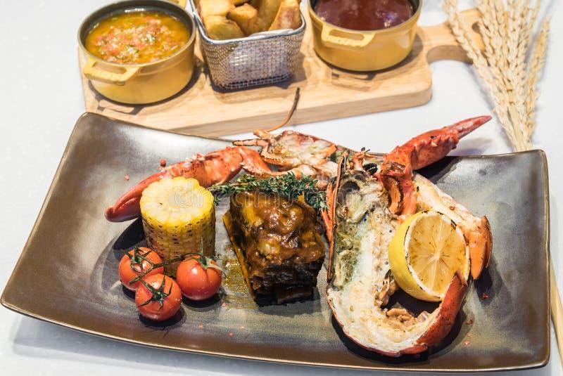 Kipiel, murawy wołowina i homar i obraz stock