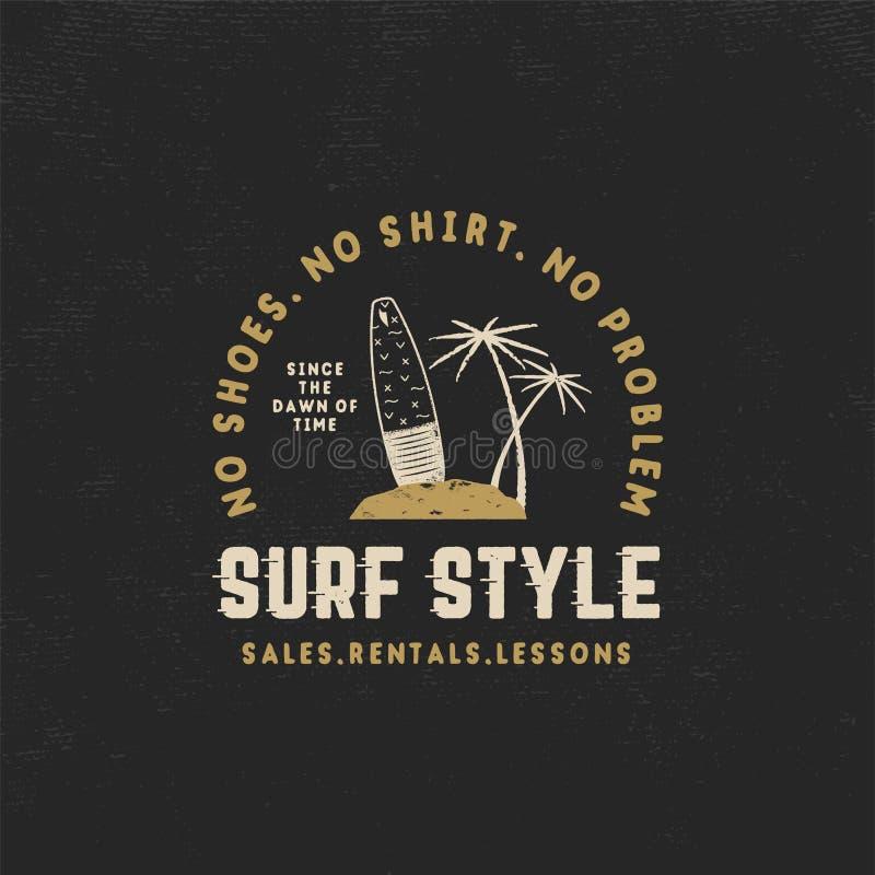 Kipiel rocznika stylowa etykietka Lato surfingu stylu emblemat z surfboard, tropikalnymi palmami i typografia elementami, Use dla royalty ilustracja