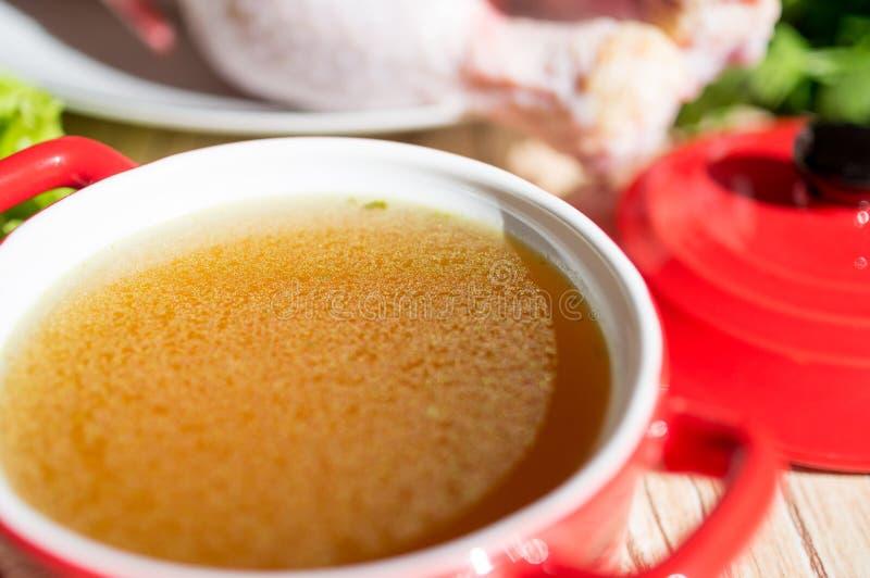 Kippenbouillon, bouillon, duidelijke soep royalty-vrije stock afbeelding