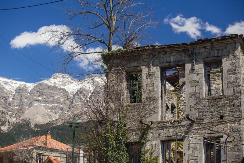 Kipseli村庄老房子在阿尔塔希腊 免版税库存图片