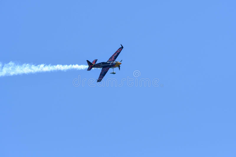 Kirby Chambliss des Etats-Unis exécute pendant la course d'air de Red Bull photographie stock libre de droits