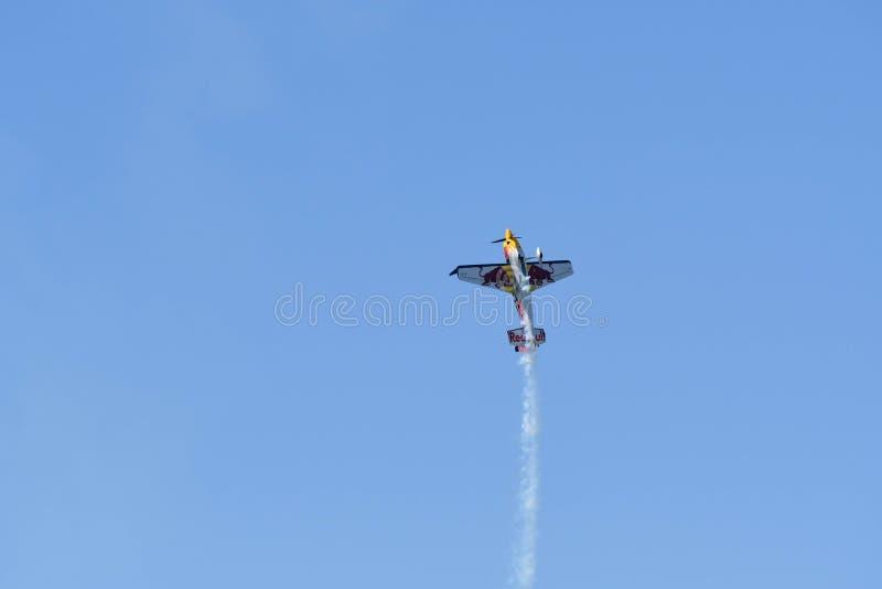 Kirby Chambliss des Etats-Unis exécute pendant la course d'air de Red Bull photos stock