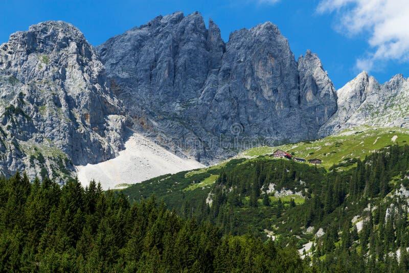 Kirchberg, St Johan Vista de montanhas de Kaiser Áustria, Tirol, Wilder Kaiser fotos de stock