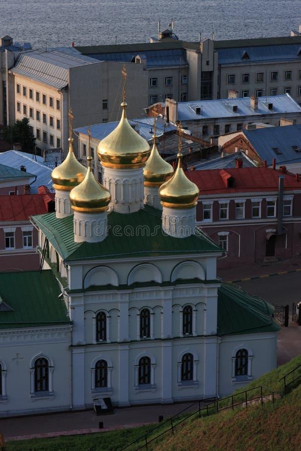 Kirche am Abend stockfoto
